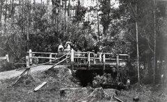 BB-5_Beagleys_Bridge_&_Coach_1900-1910.jpg