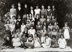 W-3_School_group_C1940.jpg